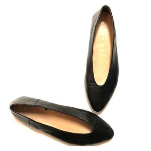 Zara Black Leather Pointed Toe Flats Sz 38